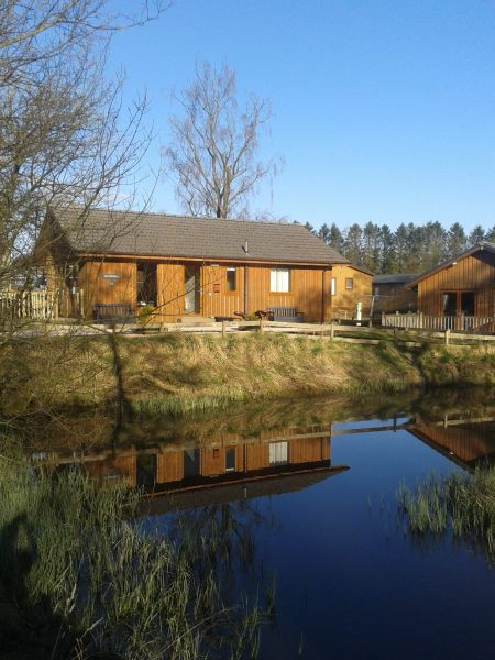 Lodge-over-the-pond-450-600